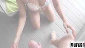 Mofos - Isabella Desantos loves hottubes, anal and cum