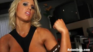 Massively strong women strips down and show off