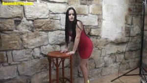 Blackhaired teen first time naked