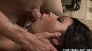 AdultMemberZone - Sexy bitch gets screwed at the massage table
