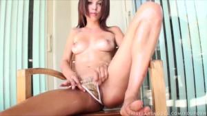 Ashley Doll Oils her Perfect Body