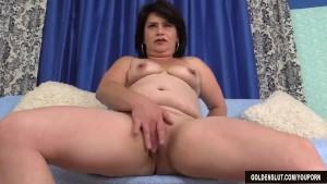 Older woman Jenna Jingles strips down and fucks