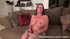 American milf Brandi Smith peels off sheer nylon pantyhose