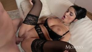 MOM Milf Sex Goddess's squirting orgasm