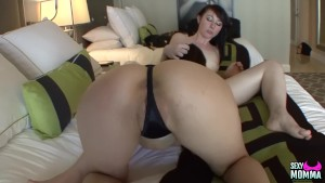 SEXYMOMMA - Milf licks her young stepdaughters hot pussy