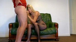 amateur british wife cums on big dildo