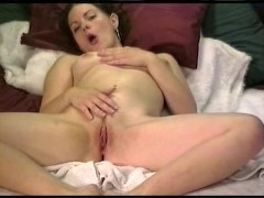 - Masturbating girl, gre...