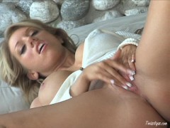 Big Titted And Stunning Heather Summers