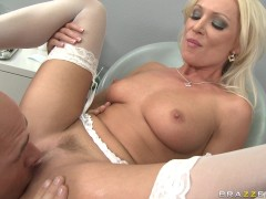 Diana Doll - Distracted Dentist Drilled
