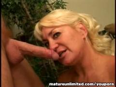 Mature licking balls and do a blow job amateur