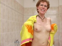 Kinky granny peeing and shaving