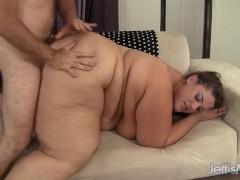 Big sexy woman Erin Green fucks