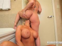 Milf Alura Jenson and Sara Jay lesbian anal and pussy fun
