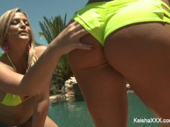 Keisha Grey and Alexis Texas fuck a lucky guy