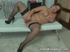 Well Rounded Milf Riona Rubs Her Throbbing Clit
