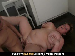 Fat ass BBW gets screwed on the floor