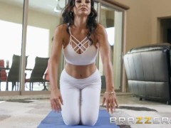 BRAZZERS - Our Queen Is Back Lisa Ann gets a rub down and sexy Anal,  first scene in 3 year