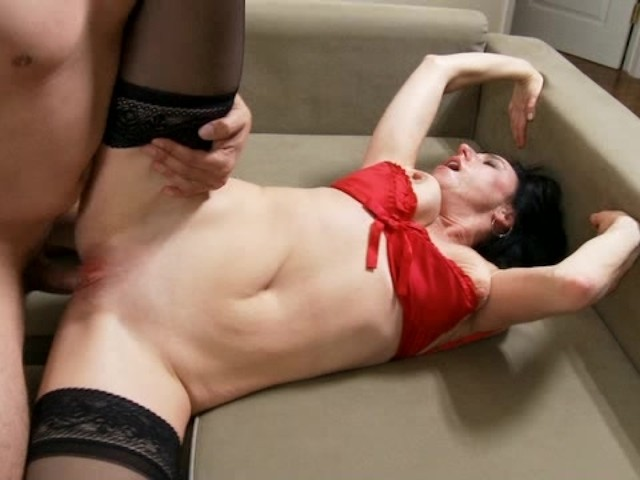 Horny Amateur Cougar Sucking Cock And Fucked Hard - Free -1611