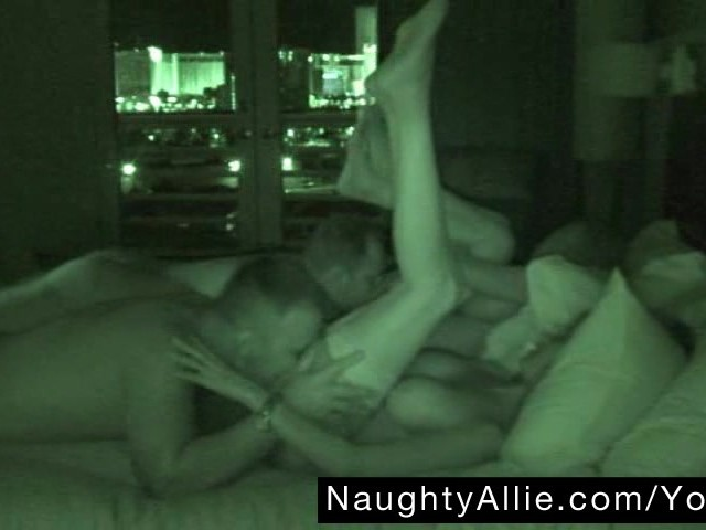 Amateur Tricked Into Threesome