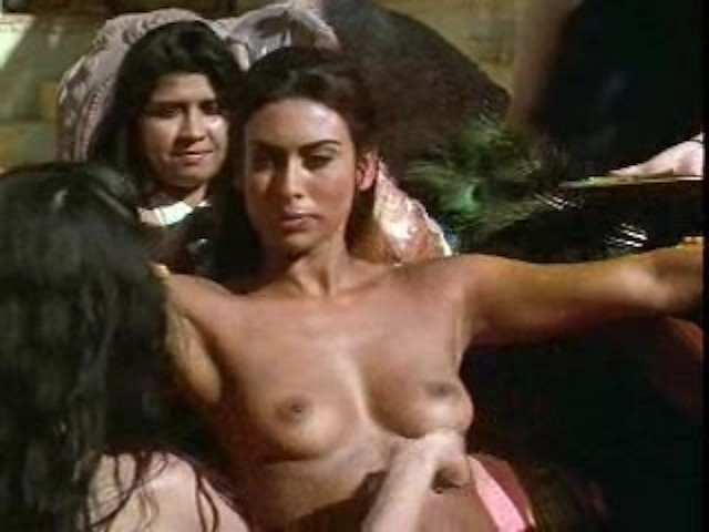 teri hatcher naked pics when she was yunger