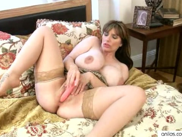 Super Busty Milf Enjoys Her Massive Tits - Free Porn -6129