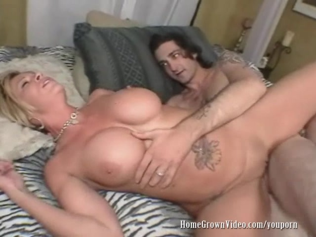 Love cum canadian shaved pussy tits! *-*