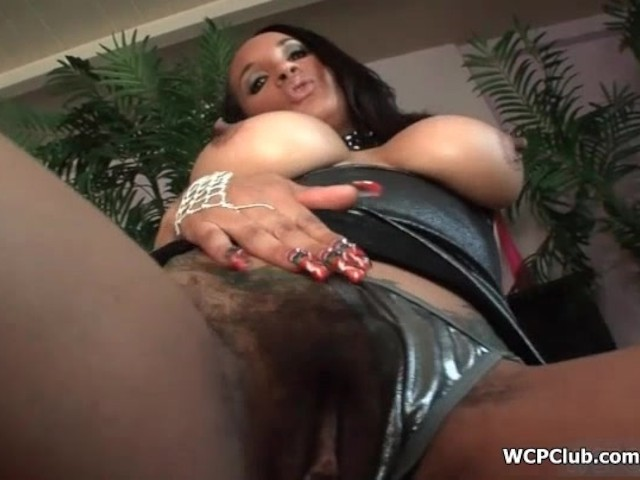 Busty Ebony Getting Horny Stripping And Rubbing Her Wet -9555