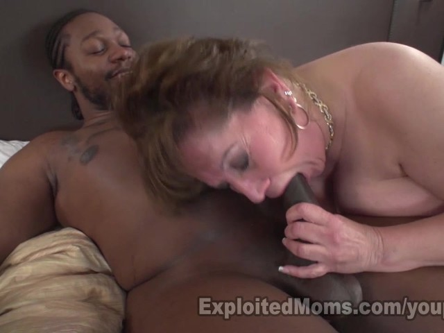 Cougar Does First Interracial Bj - Free Porn Videos - Youporn-6460