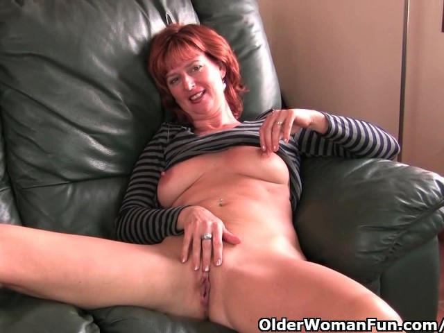 Redheaded Mature Mom Plays With Her Nipples And Pussy -8717