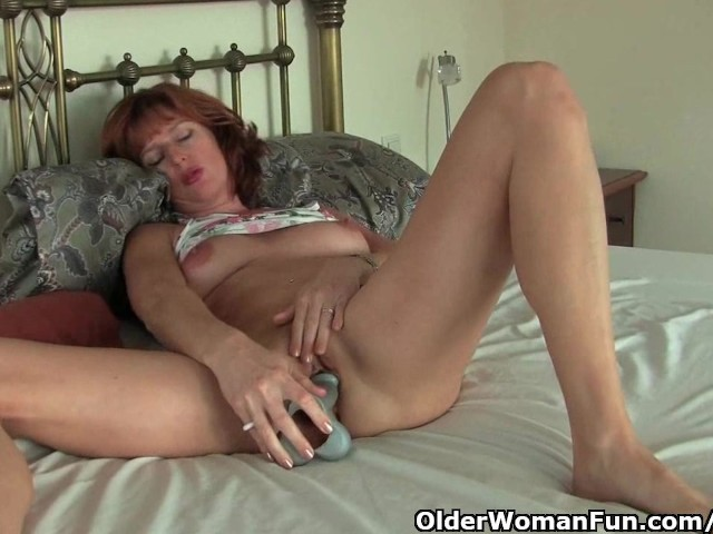 Mature Redheaded Mom Masturbates With Dildo - Free Porn -1324