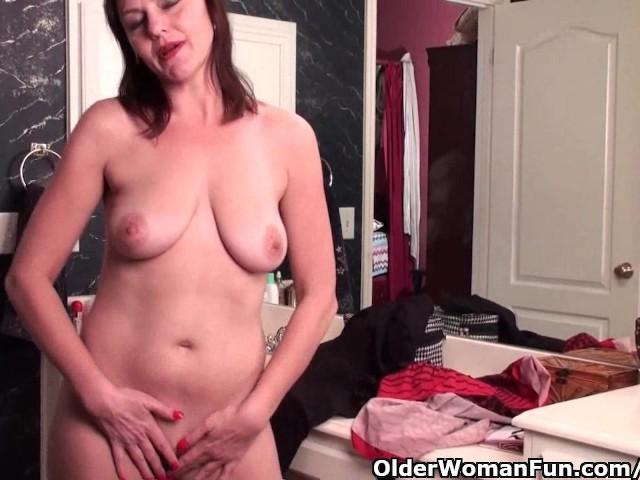 Soccer striptease lesbian video — photo 9