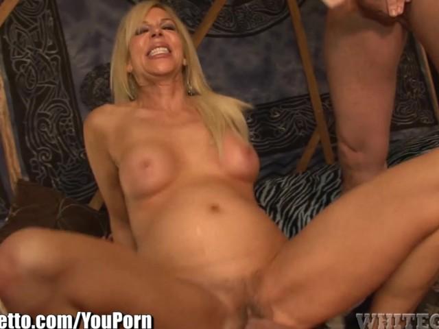 Whiteghetto Hairy Blonde Milf Gangbanged - Free Porn -2134