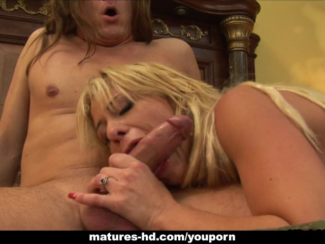 Juicy Hot Blonde Sucking The Dick And Riding It Like A -3285