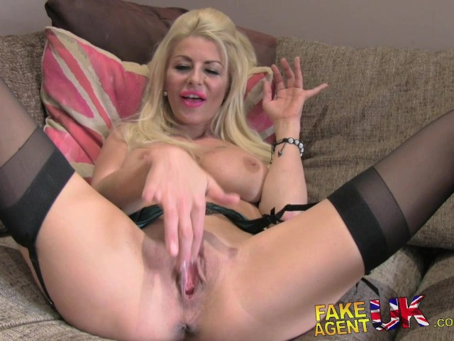 Fake agent young perky tits model fucked — photo 15