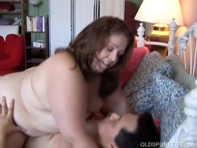 Super cute chubby nob gobbler loves your cum in her mouth