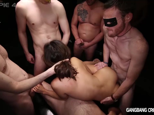 Guy cuming in girl