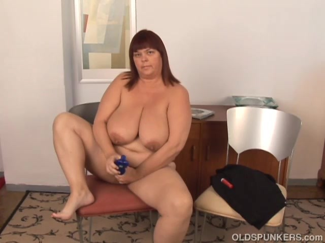 Irina bbw fucks her big ass