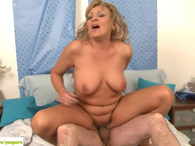 Older Wife Andrea Fucked Reverse Cowgirl - Free Porn -8948