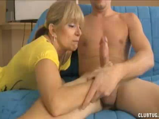 Milf Finds Young Guy Masturbating In Room - Free Porn -6599