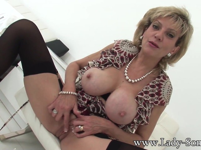 British milf masturbates alone video-6133
