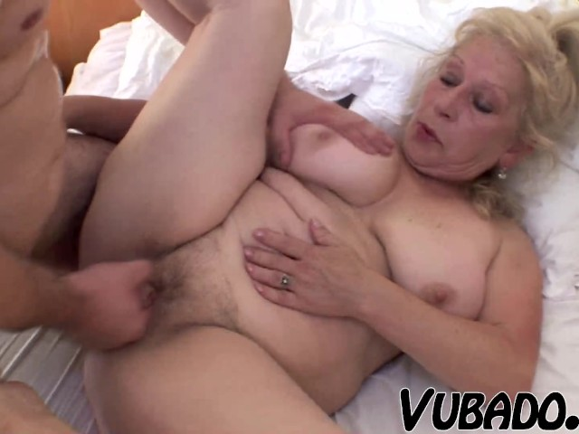 streaming her first blowjob