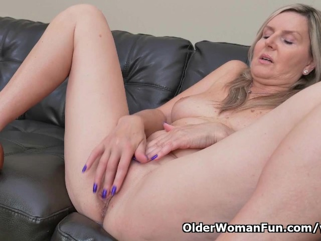 Blonde Milf Velvet Skye Drips Her Pussy Juice on the Couch - Free Porn  Videos - YouPorn