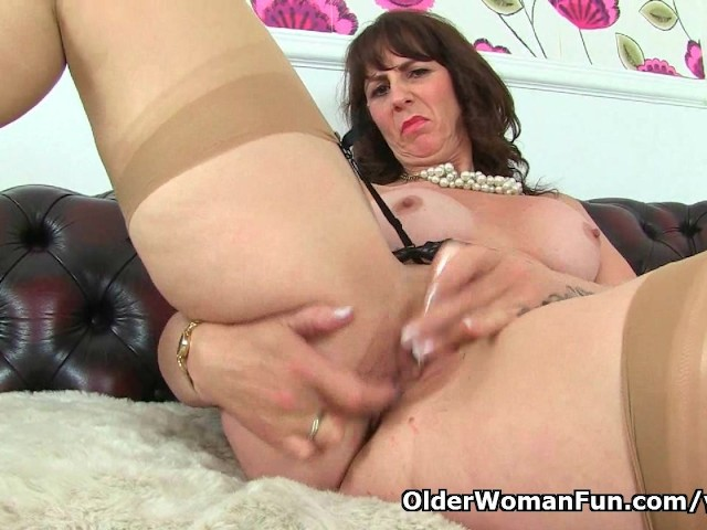 Oldstyle brunette milf speaks at the microphone 6