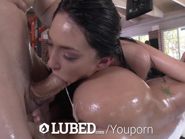Free lesbian squirt orgy