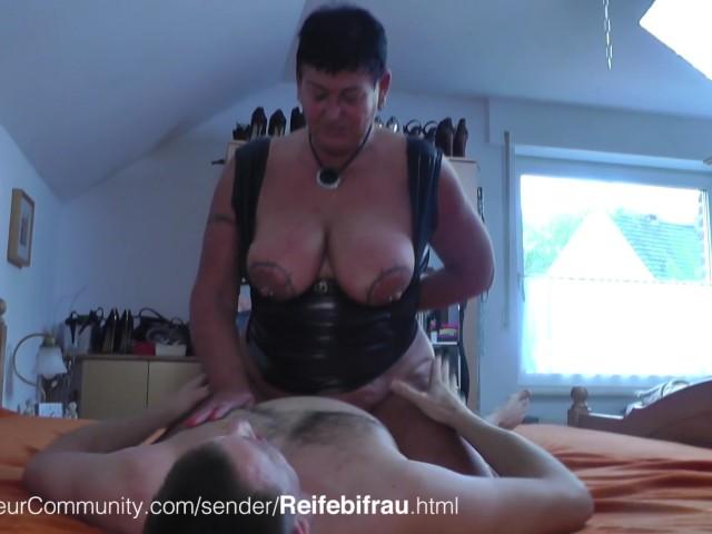 Abuela tacones altos porno