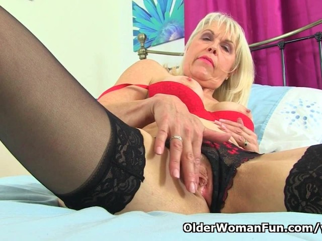 Uk milf lady sextasy rather masturbates than doing accounts