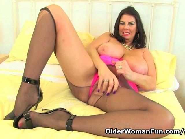 british milf lulu lush rips open her black tights - free porn videos