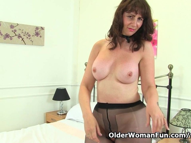 Queen Of Scotland Toni Lace Is At Your Service - Free Porn -7302