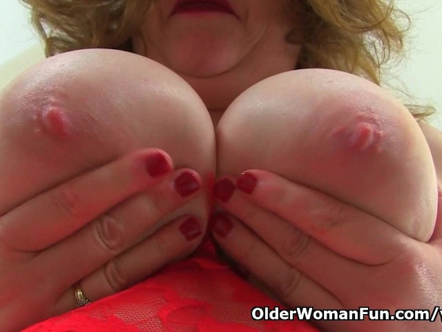 image Uk milf vintage fox works her supple pussy with a dildo