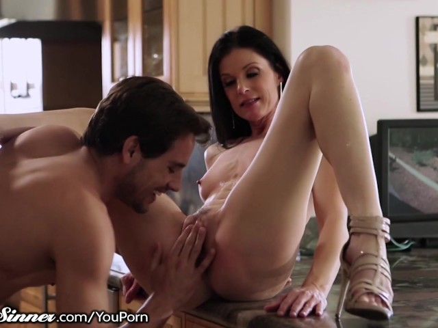 Sweetsinner Hot Milf India Summer Gets Young Cock - Free -9234